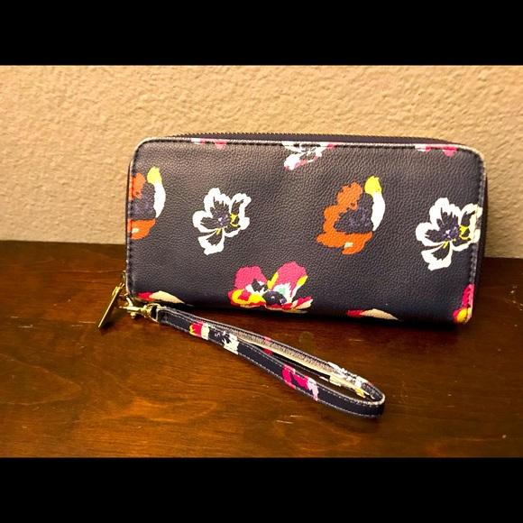 Women's Zip Wristlet Wallet 👛
